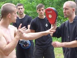 Tradi�n� principy, nov� metody n�cviku. Dovednost a technika, ale i srdce a bojovnost. Practical Hung Kyun je komplexn� bojov� um�n�.