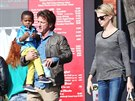 Sean Penn, Charlize Theronov� a jej� syn Jackson (28. ledna 2014)