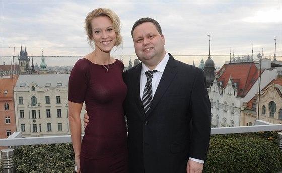 Ředitelka Plesu v Opeře Zuzana Vinzens a Paul Potts (Praha, 7. února 2014)