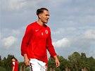 Obránce Ondřej Švejdík se rozcvičuje před zápasem.