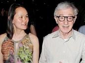 Woody Allen si za�al se Soon-Yi Previnovou, kdy� jí bylo 21 a jemu 56. Dodnes...
