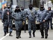 P�íslu�níci speciálních jednotek Berkut prohlásili, �e proti demonstrujícím...
