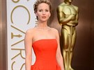 Here�ka Jennifer Lawrence v rud� r�b� od Diora