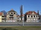 Chátrající vily. Uprostřed je vila slavného českého architekta Kamila Roškota.