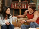 Mila Kunisová a Ashton Kutcher v seriálu Zlatá sedmdesátá (1998)