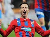 PLZE�SK� HRDINA. Z�lo�n�k Milan Petr�ela euforicky slav� g�l na 2:0 proti Liberci.