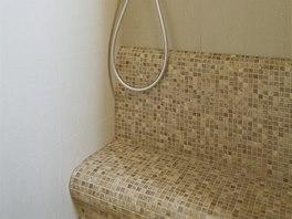 Drobná mozaika je ideální pro obkládání oblých tvarů.