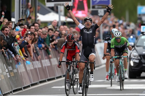 Fabian Cancellara vítězí v závodě Kolem Flander.