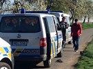 V ulici K Netlukám v pražské Uhříněvsi byla nalezena těla dvou mužů (11.4.2014)