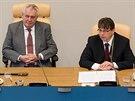 Prezident Miloš Zeman s hejtmanem Lubomírem Francem na půdě Královéhradeckého kraje v Hradci Králové. (15.4.2014)