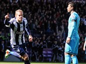 BLESKOVÝ GÓL. Útočník West Bromwiche Matěj Vydra se raduje z bleskové trefy proti Tottenhamu.