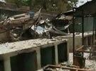Zničená škola v nigerijském státu Borno, odkud unesli islamisté přes dvě stě studentek.