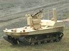 """Rusk� """"mobiln� robotick� syst�m"""" pou��van� k ostraze vojensk�ch objekt� na ve�ejn� uk�zce na vojensk�m veletrhu v roce 2013"""
