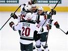 G�lov� radost hokejist� Minnesoty v rozhoduj�c�m duelu s Coloradem.
