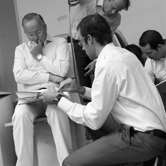 Walter de Silva vytvořil křeslo Luft pro společnost Poltrona Frau.
