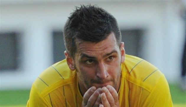 Teplický fotbalista Martin Fenin lituje promarn�né p�íle�itosti.