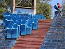 Na Bazalech panuje v t�chto dnech �il� ruch. Rekonstrukce tr�vn�ku i dal�� �pravy stadionu jsou v pln�m proudu.