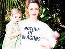 Drew Barrymore poprvé zapózovala s oběma dcerami, dvouletou Olivií a dvouměsíční Frankie (2014).