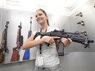 Česká zbrojovka v Uherském Brodě vyrobí každý den přes tisíc zbraní. V závodě pracuje téměř 1700 lidí.