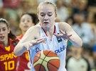 Česká mládežnická reprezentantka Julia Reisingerová během duelu se Španělskem.