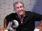 Mel Gibson usedl do křesla k Marku Ebenovi při natáčení speciálního dílu talkshow Na plovárně (5. července 2014).