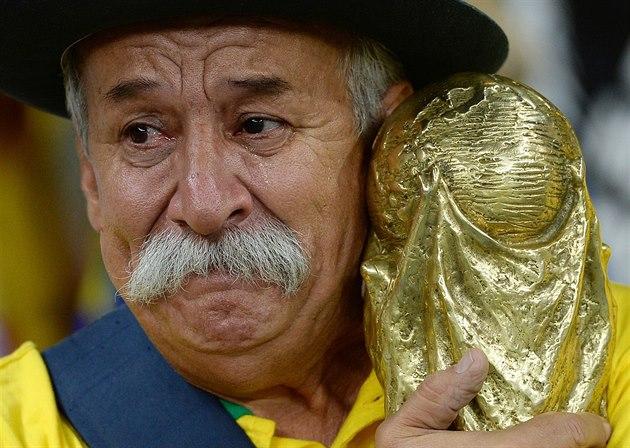 Brazilian superfan Clovis Acosta Fernandes passes away at 60