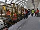 Pro prohlídku tunel� byl pou�it tento vozík (p�ezdívaný v Dopravním podniku...