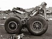 583 OBĚTÍ. Na letišti Los Rodeos na severu ostrova Tenerife narazil 27. března 1977 Boeing 747 společnosti KLM, vzlétající v husté mlze bez povolení ke startu, do projíždějícího stroje Pan Am stejného typu. V prvním stroji nepřežil nikdo z 248 lidí na palubě, ve stroji Pan Am přežilo 61 lidí z 396.