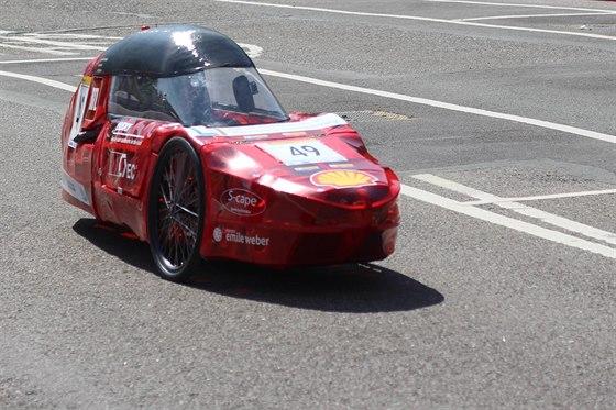 Výzvou pro soutěžící je ujet co možná nejdelší vzdálenost s využitím energie odpovídající 1 kWh nebo 1 litru paliva.
