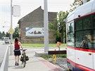 Plánovanému prodloužení olomoucké tramvajové tratě na jih města stojí v cestě jediný dům v Rooseveltově ulici. Jednání o jeho prodeji městu jsou zatím neúspěšná.