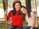 Lauren Grahamov� a Alexis Bledelov� v seri�lu Gilmorova d�v�ata (2000)