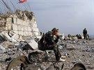 Dějištěm bojů byl v uplynulých dnech také strategicky položený vrchol Savur-Mohyla nedaleko města Snižne v Doněcké oblasti.
