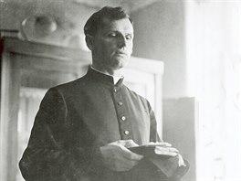 Far�� Josef Toufar z ��ho�t� zem�el 25. �nora 1950 na n�sledky mu�en� ve valdick� v�znici.