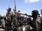 Bojovník hnutí al-Šabáb na snímku z roku 2008