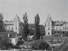 Hückelovy vily v době největšího rozvoje a péče, tedy v době, kdy je obývali majitelé novojíčínské kloboučnické továrny.