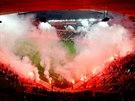 50 LET ODBORU PŘÁTEL. Slávističtí fanoušci připravili na přátelské utkání proti Hajduku Split efektní pyrotechnickou show na oslavu 50 let založení Odboru přátel.