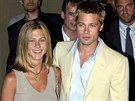 Jennifer Anistonová a Brad Pitt (Miláno, 28. června 2001)