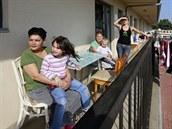 Lidé ze sociálně vyloučené lokality na Černém Mostě v Praze
