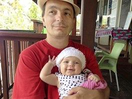 Podnikateli Radom�ru Prusovi se na �t�ku na Seychel�ch narodila dcera.