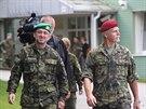 Armádní generál Petr Pavel (vpravo) při prohlídce areálu Centra biologické ochrany v Těchoníně.