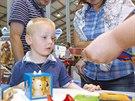 Hračky na For Toys v pražských Letňanech zkoumají podrobně děti i dospělí.