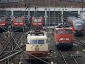 Lokomotivy n�meckých drah v depu �elezni�ní stanice ve Frankfurtu.
