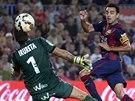 Xavi Hernandéz (vpravo), kapitán fotbalistů Barcelony, takto vstřelil úvodní gól v utkání proti Eibaru.
