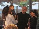Lejla Abbasová, její syn David, Michael Kocáb a Dáda Patrasová (Praha, 24. června 2013)