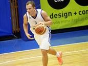 Basketbalista MMCITÉ Brno Ondřej Šiška dribluje v utkání proti Ostravě.