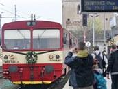 Záběr z 6. dubna 2014, kdy motoráky na dráze mezi Opavou a Jakartovicemi měly vyjet naposledy. Jenže, jak se zdá, oživení železnice alespoň o letních víkendech se vydařilo.