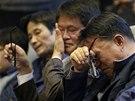 Kvůli havárii trajektu Sewol přijal jihokorejský parlament hned tři nové zákony. Listopadovému jednání přihlíželi z návštěvnické galerie i příbuzní cestujících, kteří na palubě lodi zahynuli (7. listopadu 2014)