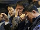 P��buzn� ob�t� z potopen�ho trajektu Sewol na zased�n� korejsk�ho parlamentu 7. listopadu 2014
