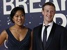 Mark Zuckerberg a jeho manželka Priscilla Chanová (Mountain View, 9. listopadu 2014)