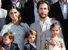 Matthew McConaughey, jeho manželka Camila Alvesová a jejich děti Livingston, Levi a Vida (Los Angeles, 17. listopadu 2014)